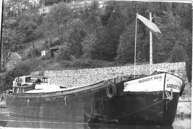 Le Haricot Noir au transport de marchandise sur le canal du Midi